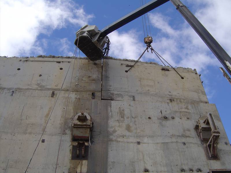 Wall sawing of a high rise concrete structure